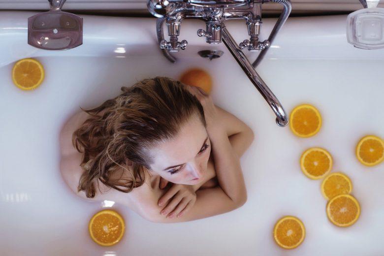 「髪の毛の正しい洗い方を美容師が解説!!あなたはちゃんとできてる?」のアイキャッチ画像